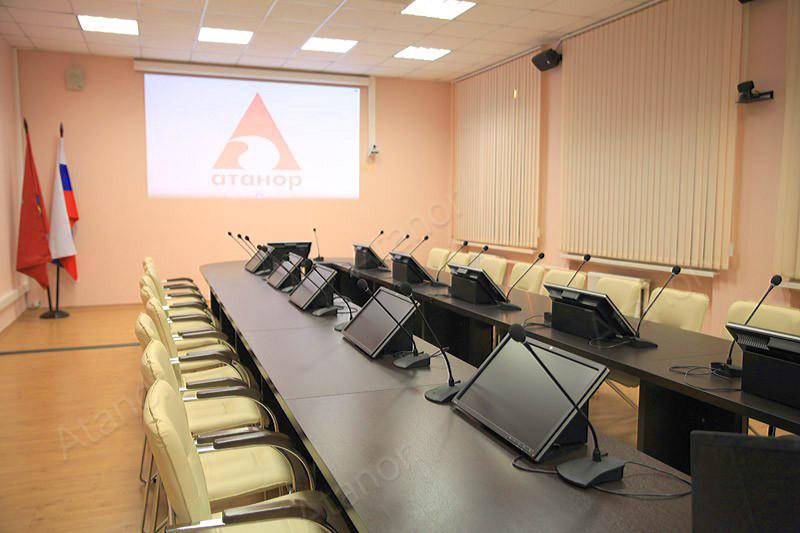 В московском Технологическом колледже №28 был оборудован конференц-зал на 60 человек.