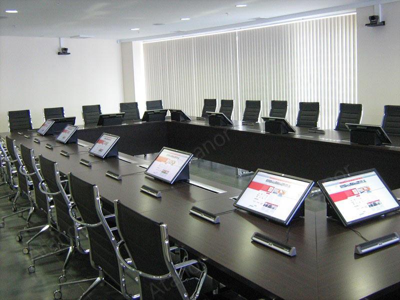 Комплекс мультимедиа систем (с широким применением оборудования AV Production) был установлен в главном офисе МРСК (Пятигорск).