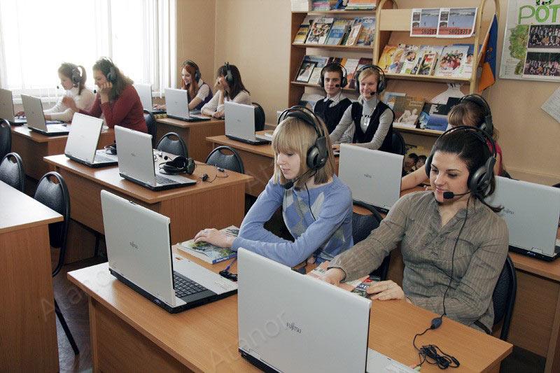 Лингафонный кабинет в Московском колледже гостиничного и ресторанного бизнеса № 37