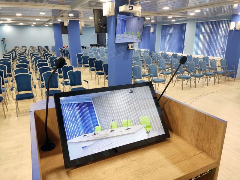 Современный актовый зал в «Петрозаводскмаше»